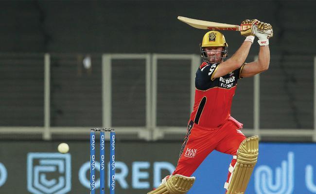 IPL 2021 Sunil Gavaskar Says RCB ABD Makes Your Jaw Drop - Sakshi