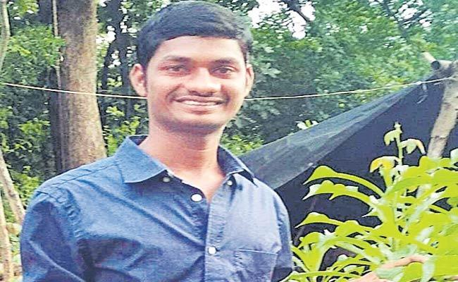 Paka Srikanth Deceased With Corona In Nalgonda District - Sakshi