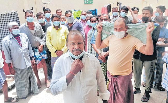 Telangana Migrants Stranded In The Dubai Seek Help - Sakshi