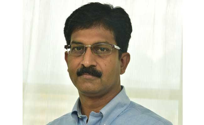 Accident Insurance Of Rs 10 Lakh For Non Resident Telugus - Sakshi