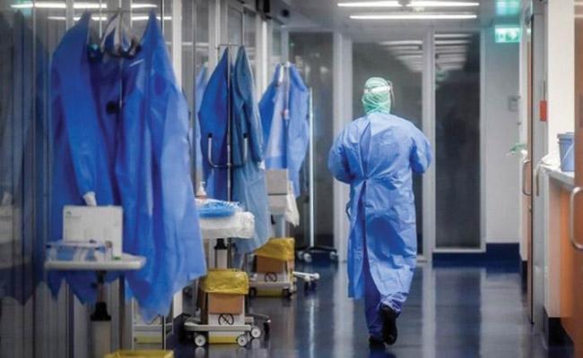 Vigilance Enforcement Searches at 35 hospitals across AP - Sakshi