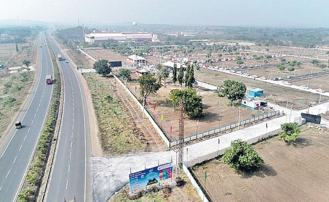 Real Estate Projects in Hyderabad: Mumbai Highway Area Best for Investments - Sakshi