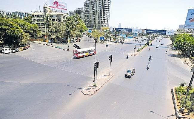 Pune Imposes Night Curfew To Control COVID19 Surge - Sakshi