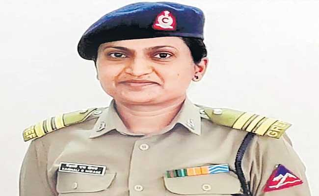 Vaishali Hiwase First Woman To Be Appointed As Commanding Officer In The BRO - Sakshi