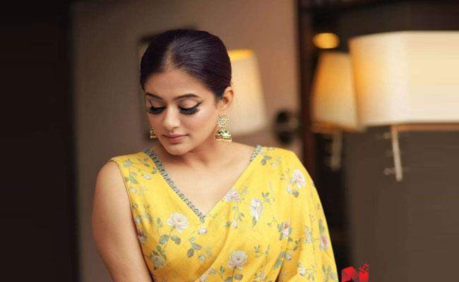 Actress Priyamani Says She Dont Even Know How To Boil An Egg - Sakshi