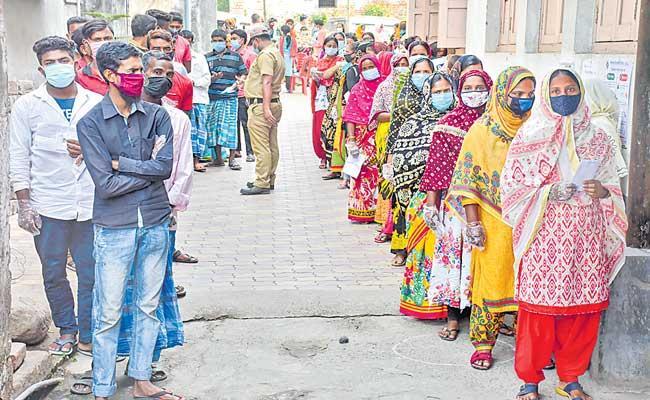 West Bengal Election 2021: Over 76 per cent voter turnout recorded - Sakshi