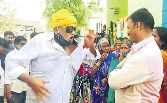 Tadipatri Municipal Chairman JC Prabhakar Reddy Fires On Public - Sakshi