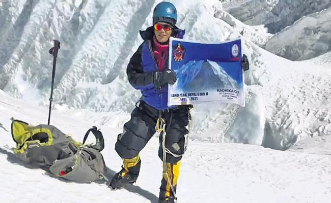 CID Radhika mountaineering in Nepal too - Sakshi