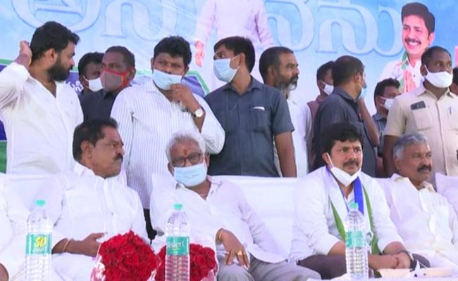 YSRCP Ministers Comments On Chandrababu And Pawan Kalyan - Sakshi