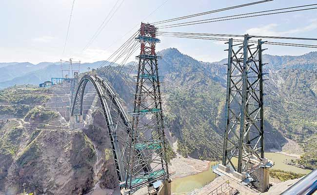 Indian Railways completes arch of world highest rail bridge - Sakshi