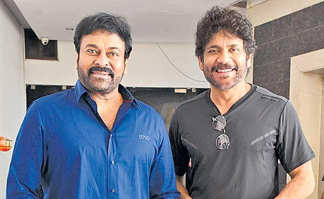 Chiranjeevi once again stood by the film workers - Sakshi