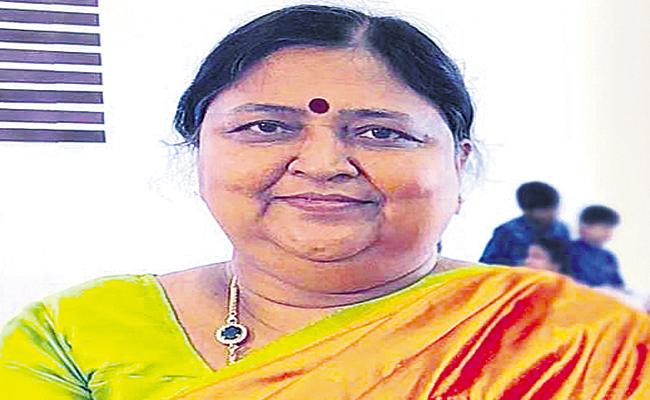 Panabaka Lakshmi Phone Call To Chandrababu - Sakshi