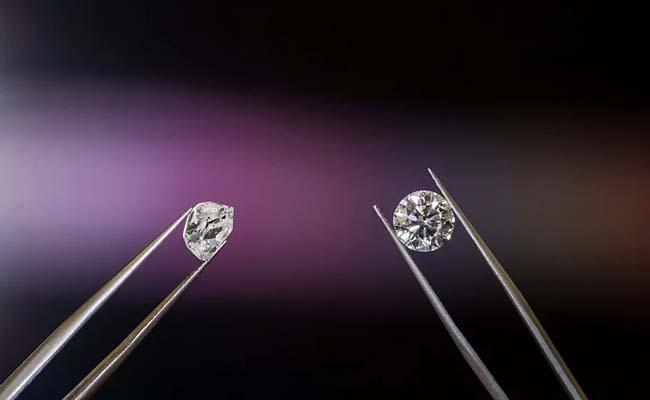COVID effect Bharat Diamond Bourse to stop operations  - Sakshi