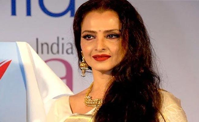 Actress Rekha Said About Director Hrishikesh Mukherjee - Sakshi