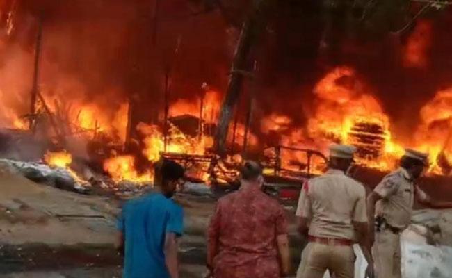 Fire Accident In Tyre Godown In Afzalgunj Hyderabad - Sakshi