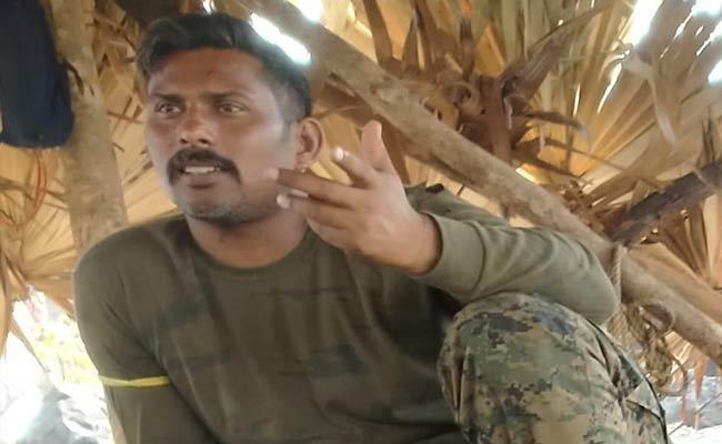 Maoists Released Photo Of The Cobra Commando In Their Custody - Sakshi