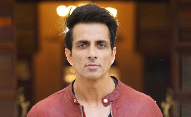 25 years and above getting vaccinated too: sonu sood urge MoHFWINDIA - Sakshi