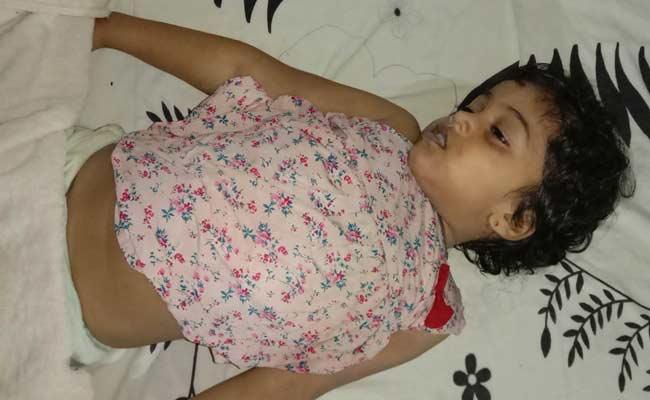 Suicide Attempt By Mother Including Children In East Godavari - Sakshi