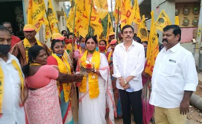 Kakinada Mayor Sunkara Pavani Negligence On Council Resolutions - Sakshi