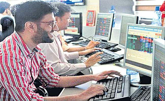 Sensex rallies 460 points, Nifty ends above 14,800 after RBI policy - Sakshi