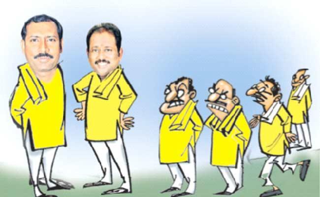 Internal Squabbles In Visakhapatnam TDP - Sakshi