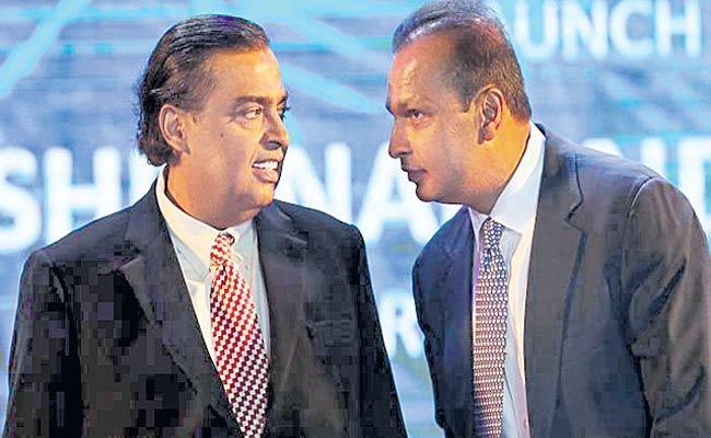 Sebi slaps Rs 25 Crore Fine On Ambanis In 2000 Case - Sakshi