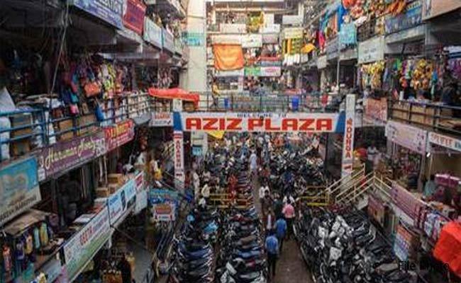 Corona Effect On Begum Bazar Shops Will Close At Evening 5 - Sakshi