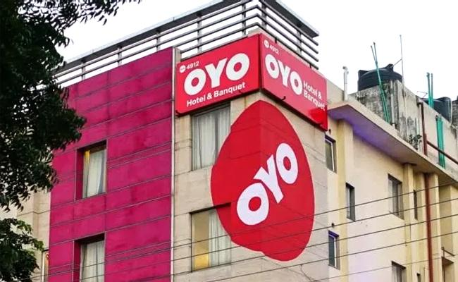HYD: Cyber Criminals Looted 3 Lakhs Money From OYO Customer - Sakshi