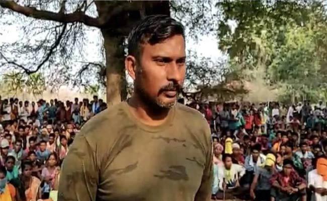 Chhattisgarh attack: Five Days Later, Maoists Free CRPF Commando - Sakshi