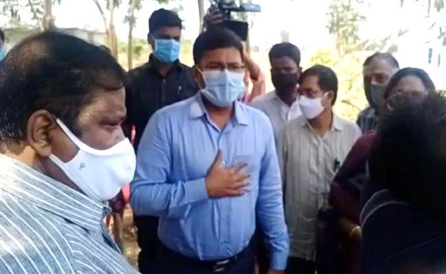 Investigation Over Etela Rajender Land Grabbing Allegations - Sakshi