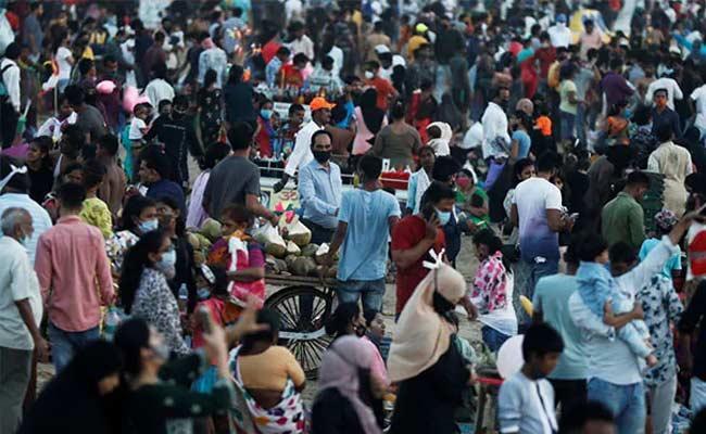 Joe Biden Top Medical Adviser Advises Total Lockdown In India - Sakshi