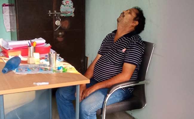 Mallepally Village Secretary Deceased Due To Illness - Sakshi