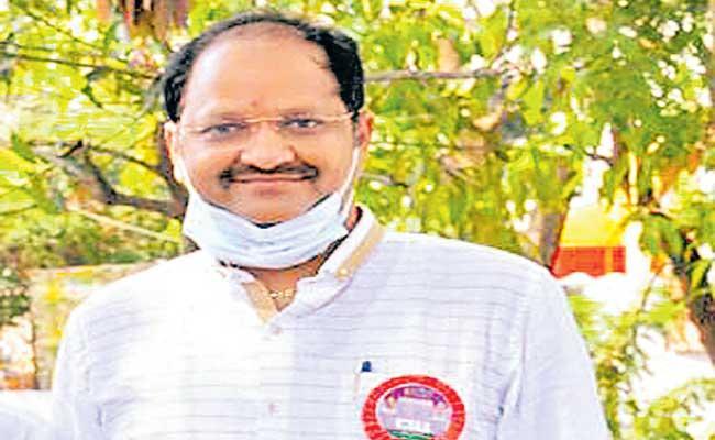 Vallabhaneni Anil kumar Telugu Film Workers Federation new President. - Sakshi