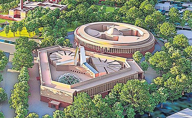 Central Vista Project In Full Swing Near India Gate Amid Pandemic - Sakshi