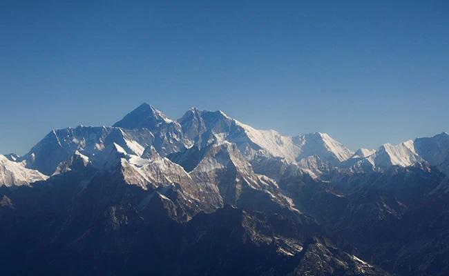 China to Set Up Covid Separation Line on Mount Everest - Sakshi