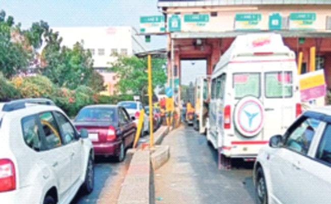 Covid 19 Karnataka Records 47930 New Cases 490 Deceased Of Corona - Sakshi