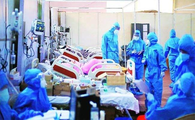 Six Thousand Corona Patients Escaped In Bangalore - Sakshi