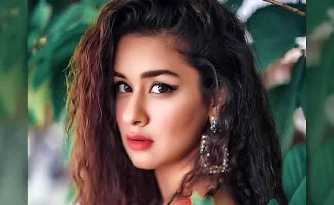 Sakshi Special Article On Tik Tok Star Avneet Kaur