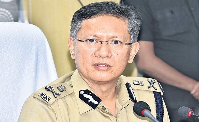 E Pass Is Mandatory During Curfew In AP - Sakshi