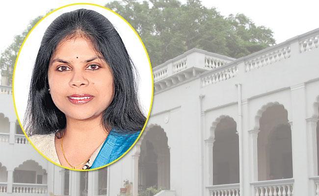 Hyderabad Nizam Club Vice President Karuna Dundoo, Kitchen Secrets of Telangana Book - Sakshi
