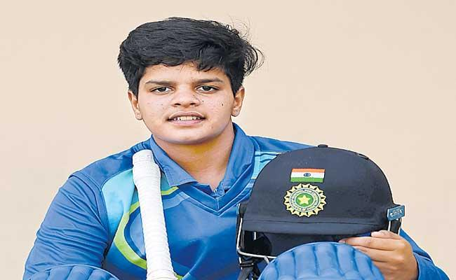Shafali Verma to play for Birmingham Phoenix in The Hundred - Sakshi