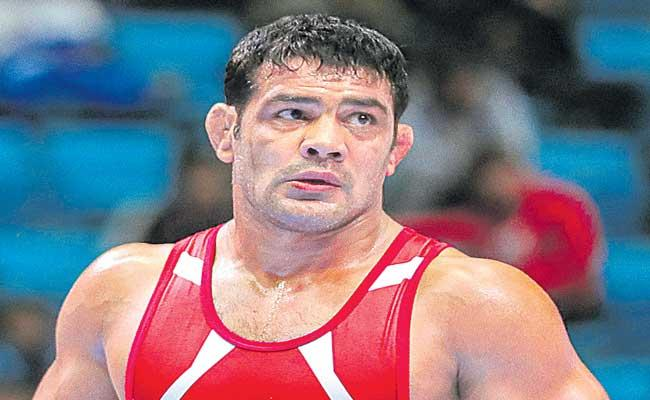 Delhi Police Issues Lookout Notice Against Olympic Medalist Sushil Kumar - Sakshi