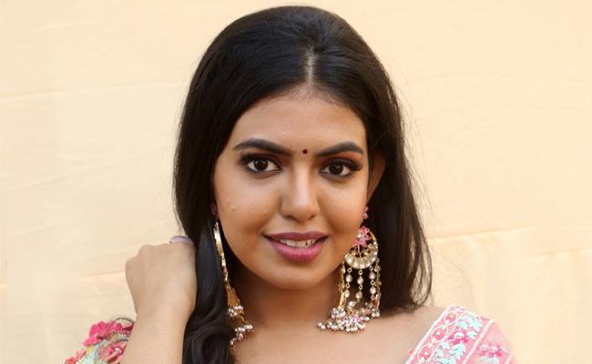 Shivani Rajsekhar Pair Up With Udhayanidhi Stalin In A Tamil Movie - Sakshi