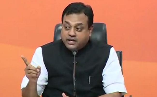 BJP Sambit Patra Slams Oppositions Over Vaccine Issue - Sakshi