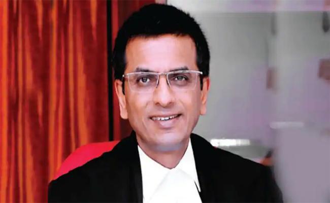 Supreme Court Justice Dy Chandrachud Tests Positive For Covid19 - Sakshi