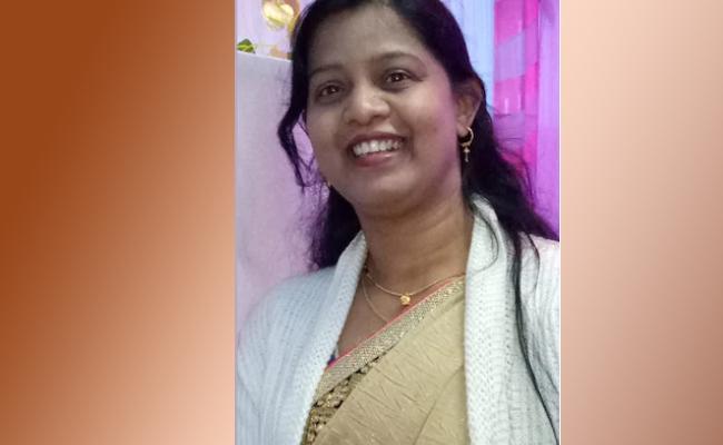Mp: Nurse Battles Covid One Lung Recovers Yoga Breathing Exercises - Sakshi