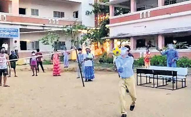 Vizianagaram District JC Played Volleyball With Corona Victims - Sakshi