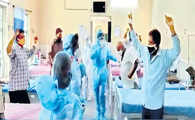Nurses Dance With Corona Patients In Kamareddy Government Hospital - Sakshi