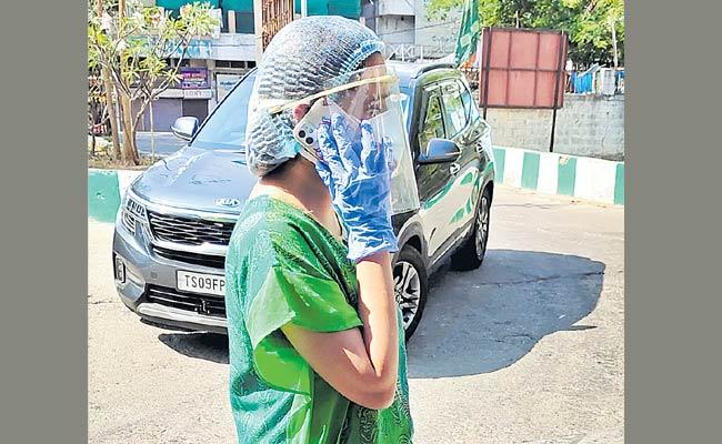Cab Drivers Fraud In Coronavirus Situation Due To Cab Vehicles - Sakshi