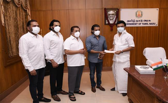 Surya And Karthi Meet CM MK Stalin And Donate 1 Crore In Relief Fund - Sakshi